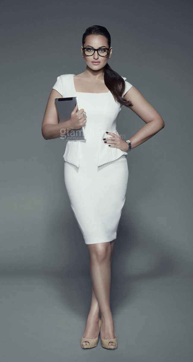 Sonakshi with iPad