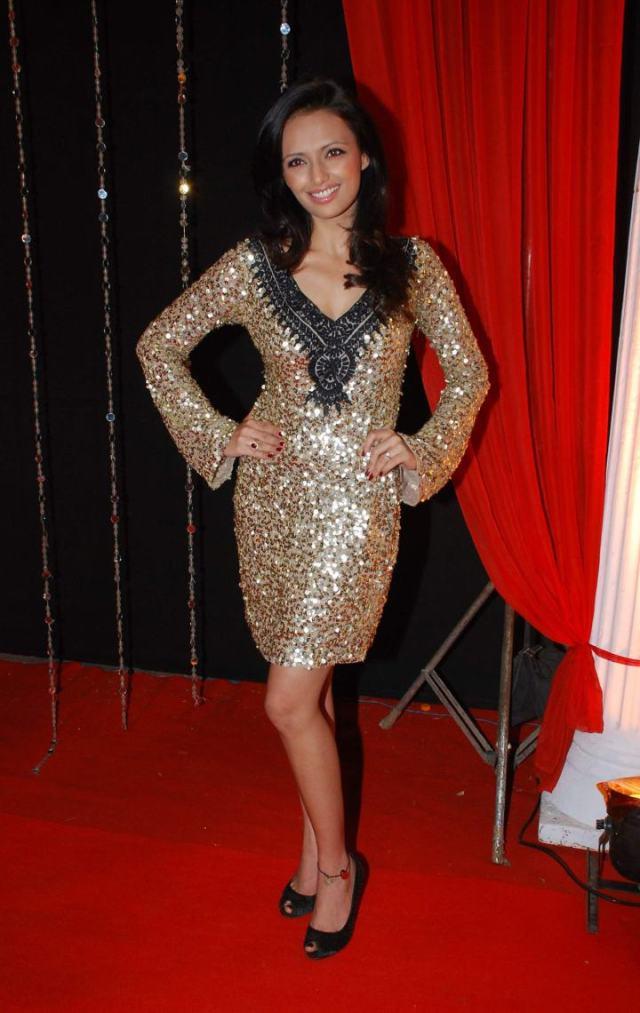 Roshni Chopra at Zee Rishtey Awards