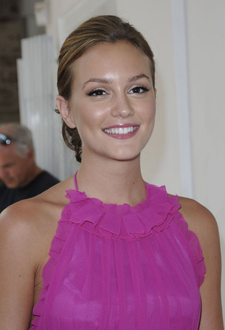Leighton Meester in pink