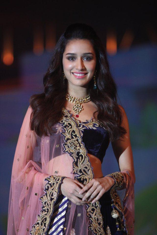 Stunning-Shraddha-Kapoor