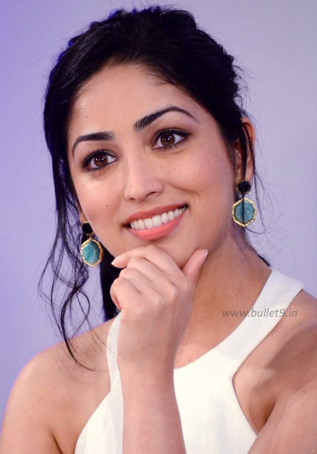 Yami-Gautam-at-Times-Food-and-Fashion-show-launch-02